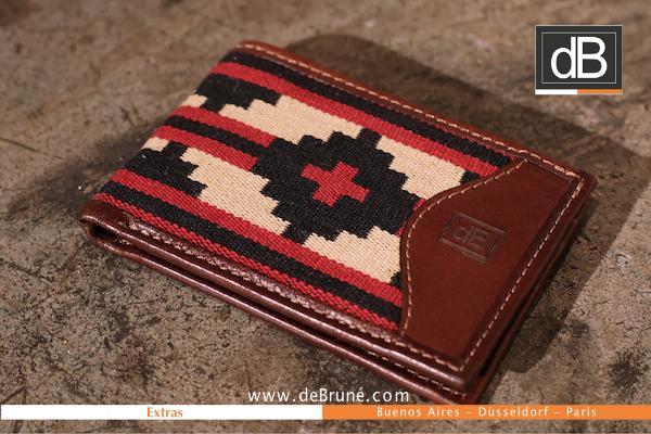 http://www.debrune.com/wp-content/uploads/2016/11/Purse-leather-wallet-pampa-argentina-geldboerse-leder-portemonaie-portefeullie-billetera-pampa-db-debrune-argentinisches-muster-dB.jpg